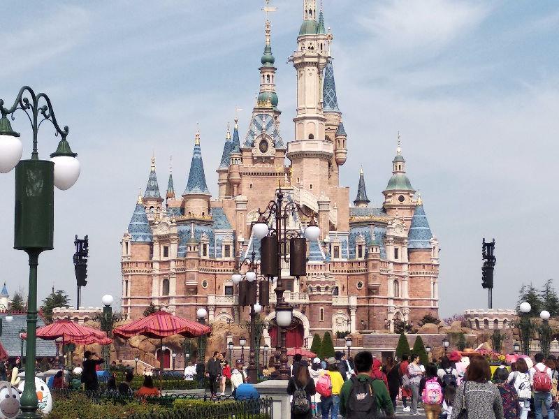上海迪士尼精彩花车表演和唯美夜景