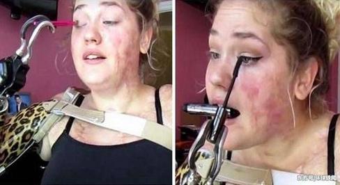 21岁无臂少女身残志坚, 用假肢化妆, 感动无数网友!