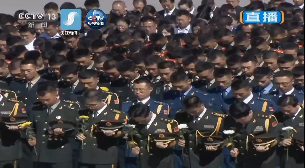 烈士纪念日,习近平向人民英雄敬献花篮!